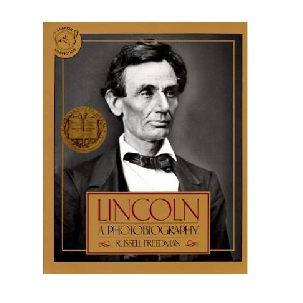 [1988 뉴베리] RL 7.7 : Lincoln : A Photobiography (Paperback, Newbery)
